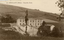 Les Ardillats (Rhône) : Nouvelles écoles