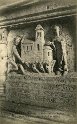 Avenas (Rhône) : Intérieur de l'église. Maître-Autel, coté droit (IXe siècle)