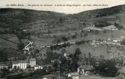 Cours-la-Ville (Rhône) : Vue générale du Valissant. A droite, le village Fougerat - Au fond, vallée des Haras