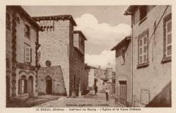 Le Breuil (Rhône) : Intérieur du bourg, l'église et le vieux château