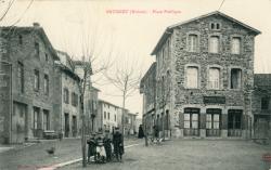 Brussieu (Rhône) : Place publique