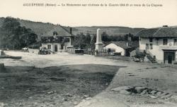 Aigueperse (Rhône) : Le monument aux victimes de la Guerre 1914-18 et route de la Clayette