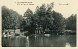 Claveisolles (Rhône) : L'Ile du parc du château