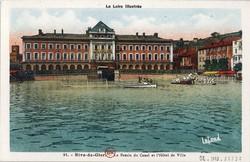 Rive-de-Gier (Loire) : Le Bassin du Canal et Hôtel de Ville