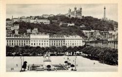 Lyon : Place Bellecour et Colline de Fourvière