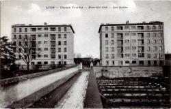 LYON : Chemin Feuillat ; Nouvelle Cité ; Les écoles