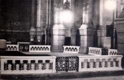 Lyon : Église de L'Immaculée-Conception ; Les appuis de communion, sur 3 côtés du choeur (1928)