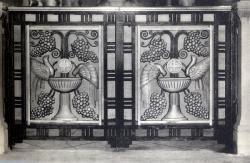 Lyon : Église de L'Immaculée-Conception ; Portes latérales ; des appuis de communion du choeur (1928)