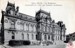 LYON : La Préfecture (construite en 1885, par Louvier, architecte)