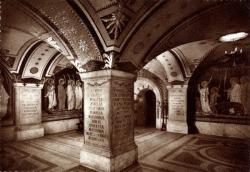 LYON : Hôpital de Saint-Pothin ; La Crypte