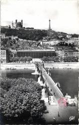 Lyon : Le Palais de Justice et Colline de Fourvière