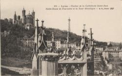Lyon : Clocher de la Cathédrale Saint-Jean ; Notre-Dame de Fourvière et la Tour Métallique