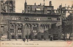 Lyon : Place Saint-Jean ; Vestiges Romains