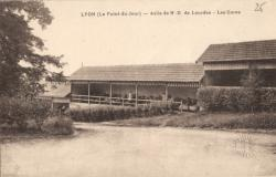 Lyon (Le Point-du-Jour) : Asile de N.-D de Lourdes ; Les Cures