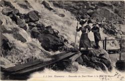 Chamonix : cascade du Nant-Blanc à la Mer de Glace