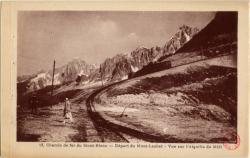 Chemin de fer du Mont-Blanc : Départ du Mont-Lachat ; Vue sur l'Aiguille du Midi