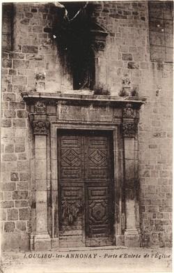 Boulieu-les-Annonay (Ardèche) : Porte d'entrée de l'Eglise