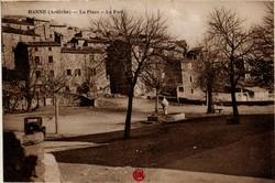 Banne (Ardèche) : La Place et Le Fort