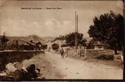 Berrias (Ardèche) : Route des Vans