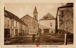 La Béage (Ardèche), alt. 1200 m. - Cure d'air - Place de l'Eglise