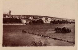Bourg-Saint-Andéol (Ardèche) : Vue générale sur le Rhône