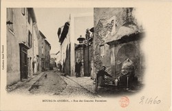 Bourg-Saint-Andéol (Ardèche) : Rue des Grandes Fontaines