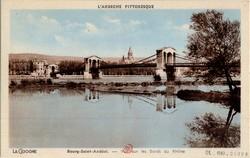 Bourg-Saint-Andéol (Ardèche) : Vue sur les bords du Rhône