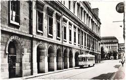Saint-Etienne (Loire). - Grande Artère et Arcades de l'Hôtel de Ville