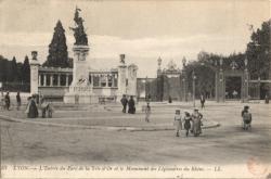 Lyon : L'entrée du Parc de la Tête d'Or et le Monument des Légionnaires du Rhône