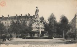 Lyon : Place Morand ; Statue de la Ville de Lyon