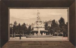 Souvenir de Lyon : Fontaine ; Place Morand