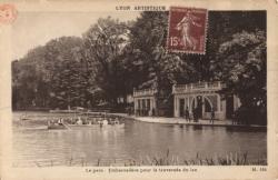 Lyon artistique : Le parc ; Embarcadère pour la traversée du lac