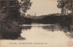 Lyon : Parc de la Tête-d'Or ; Vue sur le Lac.
