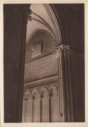 Lyon : Église de la Rédemption ; Arcatures de l'entrée