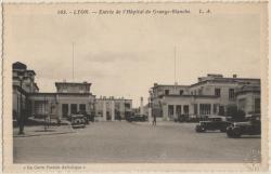 Lyon : Entrée de l'Hôpital de Grange-Blanche.