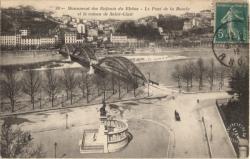 Lyon : Monument des Enfants du Rhône ; Le Pont de la Boucle et le coteau de Saint-Clair