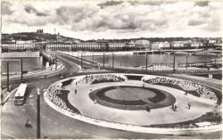 Lyon : Le Pont de la Guillotière sur le Rhône et la Colline de Fourvière