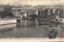 Lyon : La Saône ; le pont de la Feuillée et vue vers la Croix-Rousse