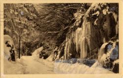 Les Gets (Hte-Savoie) : Route des Gets et stalactites de glace