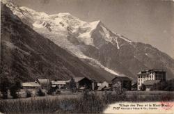 Village des Praz et le Mont-Blanc