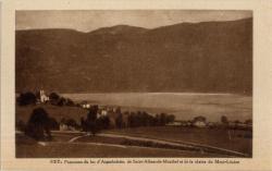 Panorama du lac d'Aiguebelette, de Saint-Alban-de-Montbel et de la Chaîne du Mont-Lépine