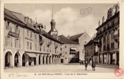 La Roche-sur-Foron : Place de la République