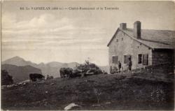 Le Parmelan (1855 m.) : Chalet-Restaurant et la Tournette