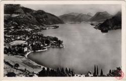 Lac d'Annecy : Talloires ; Vue générale ; massif des Bauges et presau'île de Duingt