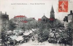 Saint-Fons (Rhône). - Place Michel-Perret