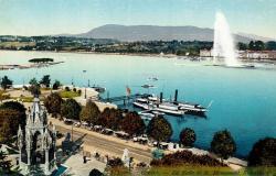 Genève - La rade et le monument de Brunswick