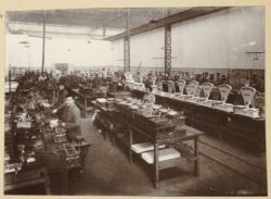 [Usine de fabrication des balances et instruments de pesage Duchesne à Villeurbanne (?) : atelier]
