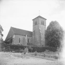 [L'église de Gevrey-Chambertin]