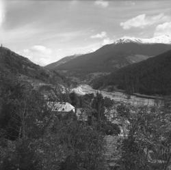 [Vue d'ensemble : Rivière et Montagnes]