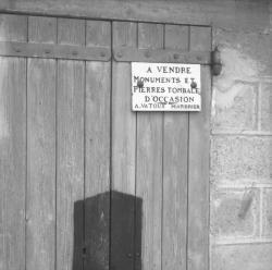 Pierres tombales à vendre : A. Vatoux